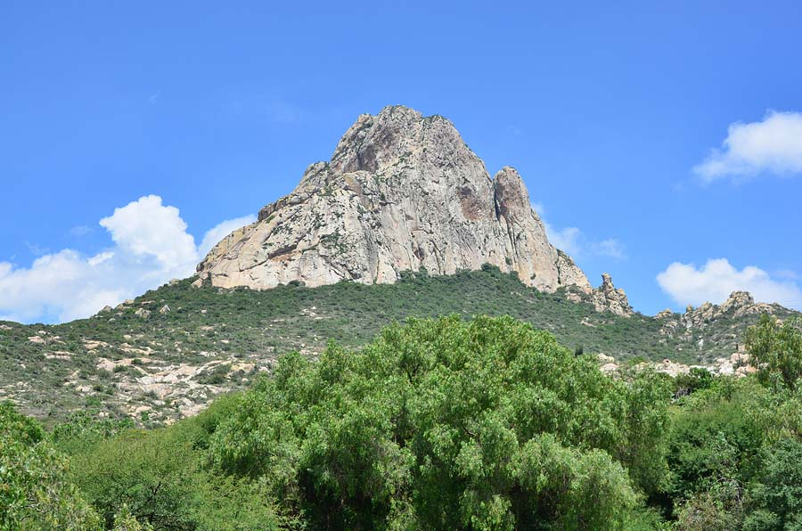 Post image for An Afternoon in a Pueblo Mágico and a Challenging Climb of Peña de Bernal
