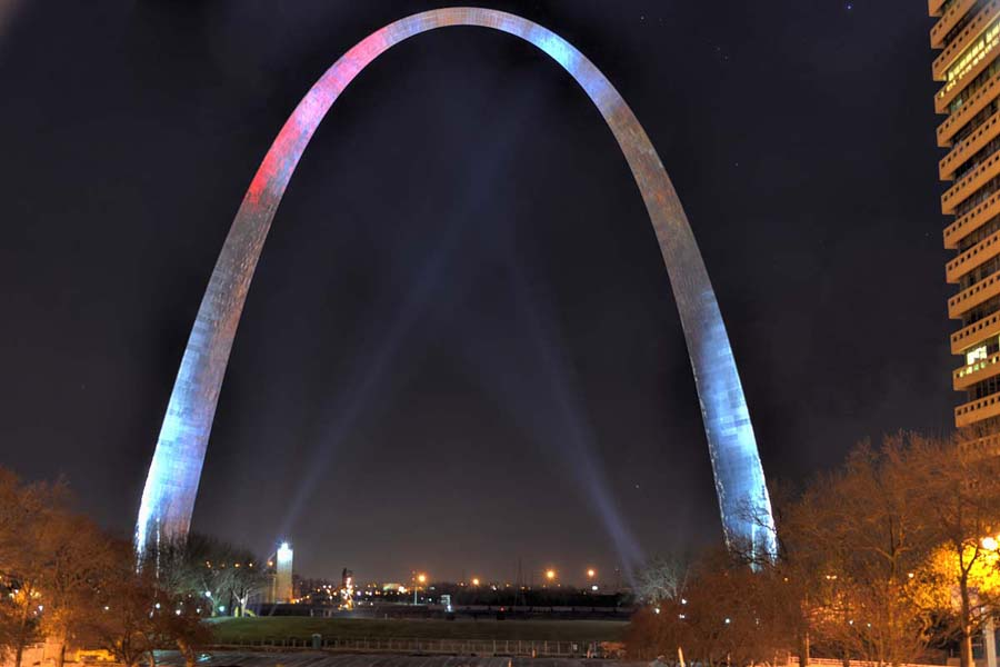 Post image for The St. Louis Gateway Arch – New Year's Eve 2014